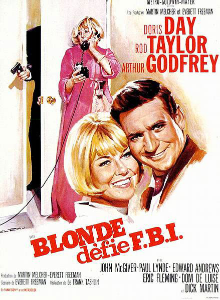 Blonde défie le F.B.I., Une